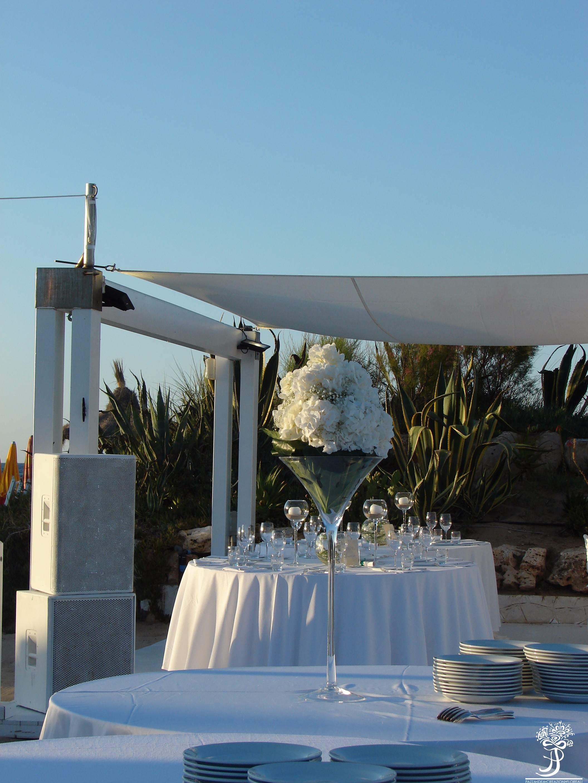 Matrimonio Spiaggia Bari : Il matrimonio in spiaggia fiorista a fasano pazza idea